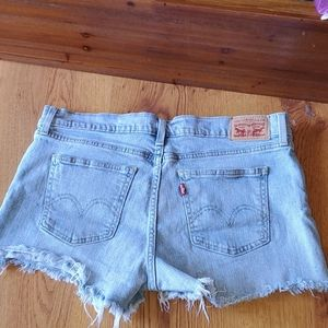 Levis distressed shorts size 31w